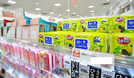 沖繩自由行必買唯一OUTLET「ASHIBINAA」裡的「SAPPORO DRUG STORE 札幌藥妝」內商品