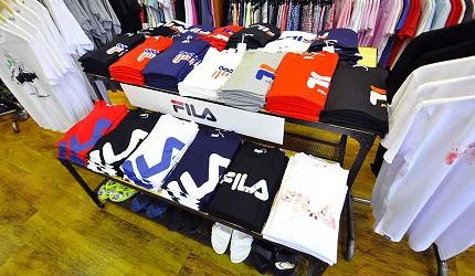 沖繩自由行必買唯一OUTLET「ASHIBINAA」裡的運動服飾品牌店家「OP/FILA OUTLET」
