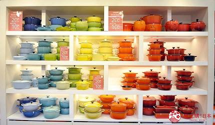 沖繩自由行必買唯一OUTLET「ASHIBINAA」裡的人氣時尚琺瑯鑄鐵鍋「LE CREUSET」販售的琺瑯鑄鐵鍋多種