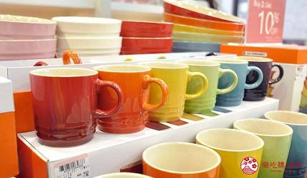沖繩自由行必買唯一OUTLET「ASHIBINAA」裡的人氣時尚琺瑯鑄鐵鍋「LE CREUSET」販售的琺瑯杯