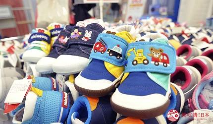 沖繩自由行必買唯一OUTLET「ASHIBINAA」裡的日本人氣童裝嬰兒品牌「Miki House」販售的童鞋