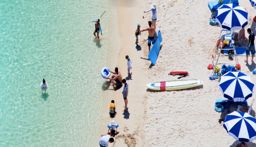 沖繩旅遊孝親自由行推薦必住飯店「RENAISSANCE RESORT 沖繩」的海灘