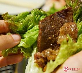 沖繩必吃美食推薦11選燒肉店家「燒肉乃我那霸」生菜夾肉