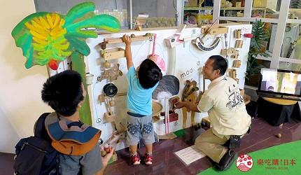 沖繩旅遊親子必去動物園「沖繩兒童王國」的 WONDER MUSEUM 神奇博物館的小動物機關牆