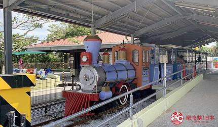 沖繩旅遊親子必去動物園「沖繩兒童王國」的 RIDES SECTION 遊樂場的德州號小火車