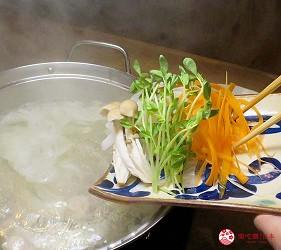 冲绳那霸阿古猪涮涮锅与猪排专门店推荐「冲绳猪排食堂岛豚屋」的内的季节鲜蔬