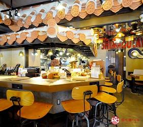 冲绳那霸阿古猪涮涮锅与猪排专门店推荐「冲绳猪排食堂岛豚屋」的内的吧台座位