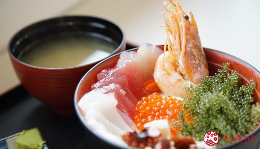 沖繩必吃美食推薦11選海鮮店家「海人食堂」的海葡萄丼