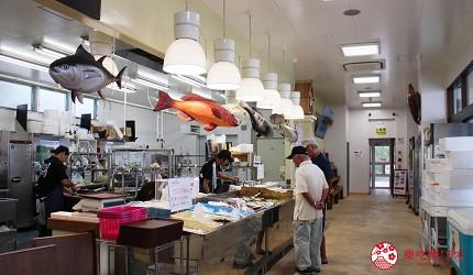 冲绳必吃美食推荐11选海鲜店家「海人食堂」的1楼渔获生鲜区