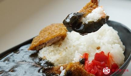 沖繩必吃美食推薦11選海鮮店家「海人食堂」的墨魚咖哩