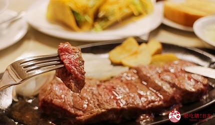 沖繩必吃美食推薦11選美國料理「傑克牛排」的牛排玫瑰粉色