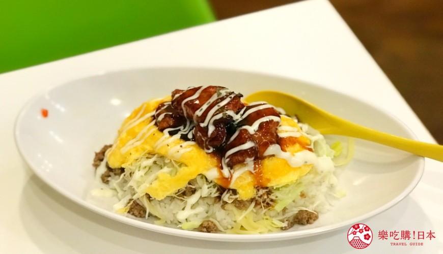 沖繩必吃美食推薦11選塔可飯店家「Taco Rice Cafe Kijimuna」的歐姆蛋塔可飯