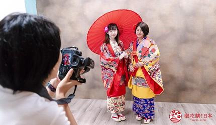 冲绳和服出租店推荐veni体验穿着南国传统琉装游冲绳的摄影棚拍摄方案